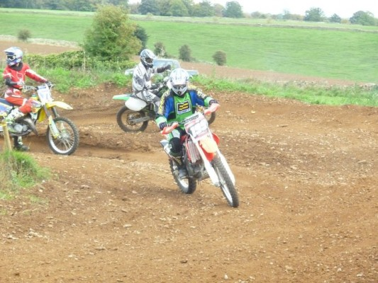 4 motocross tracks, main track for adult bikes, a kids track, ...